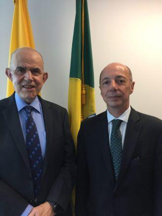 Dr.-Joel-Stewart-e-Embaixador-Adalnio-Senna-Ganem-600x800